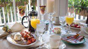1231823_breakfast_in_the_sun